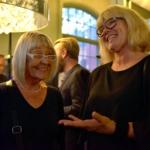 Foto på Ordförande i Karlshamns kulturnämnd, Lena Sandgren (S), tillsammans med Malena Sandgren, chef för Kultur- och bildningsenheten på Region Blekinge under invigningen..
