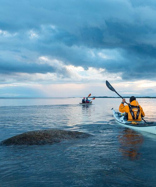 Kanot på öppet hav