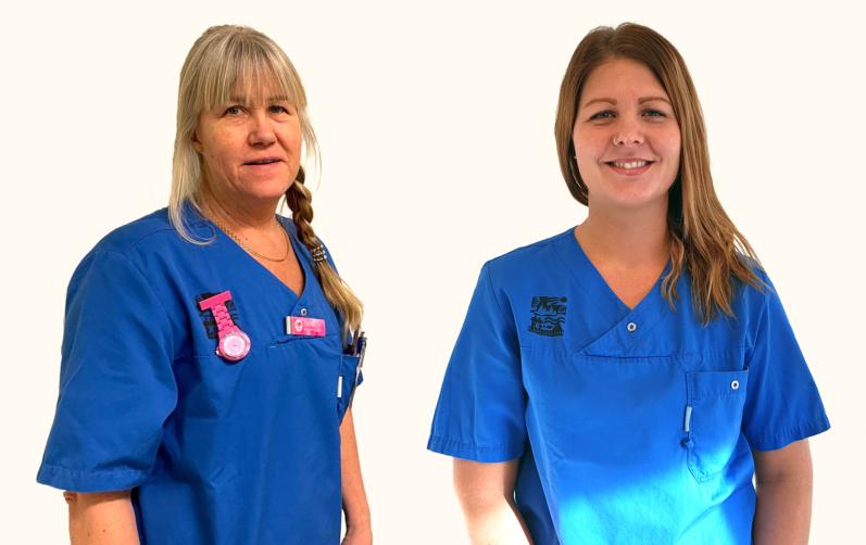 Foto på Susan Peterson och Anna Fransson i blåa kläder
