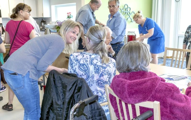 kvinna söker man asarum mötesplatser för äldre i hästveda