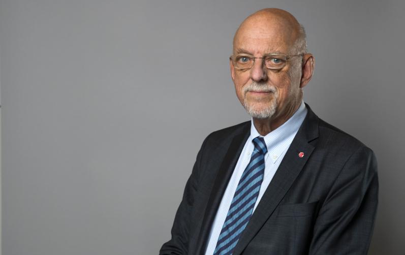 EU-minister Hans Dahlgren i bild.